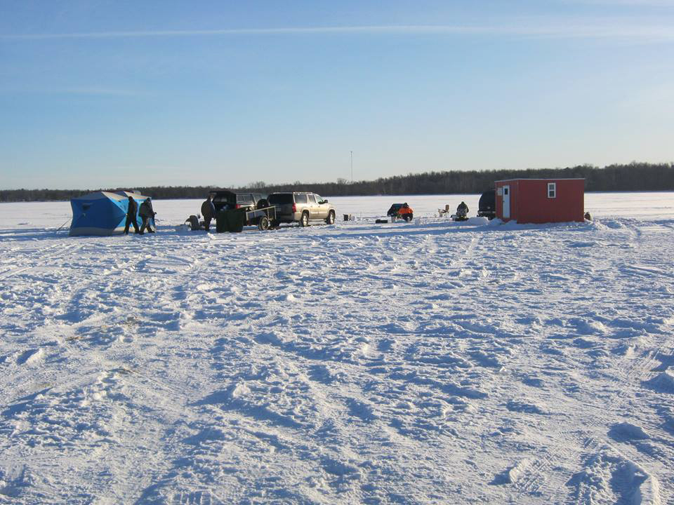 ice fishing on lake winnie for jumbo perch walleye and
